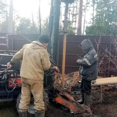 Бурение скважины в ПГТ Загорянский